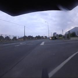 Intersection du matin, utilise tes freins.