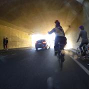 Au bout du tunnel, suivez la lumière du paradis cycliste !
