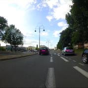 À cause de l'usage de la sonnette, le cycliste aura droit à une bordée d'injure.