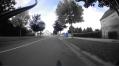 Ah quoi bon 50m pour faire aller les vélo sur le trottoir alors que tout droit, ils sont protégés par un « arrêt ».