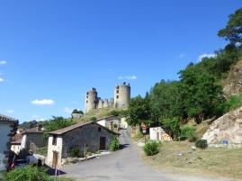 Derrière le château.