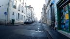 Rue de l'oriflamme: la signalétique suit le mouvement. Rien à (re)dire.
